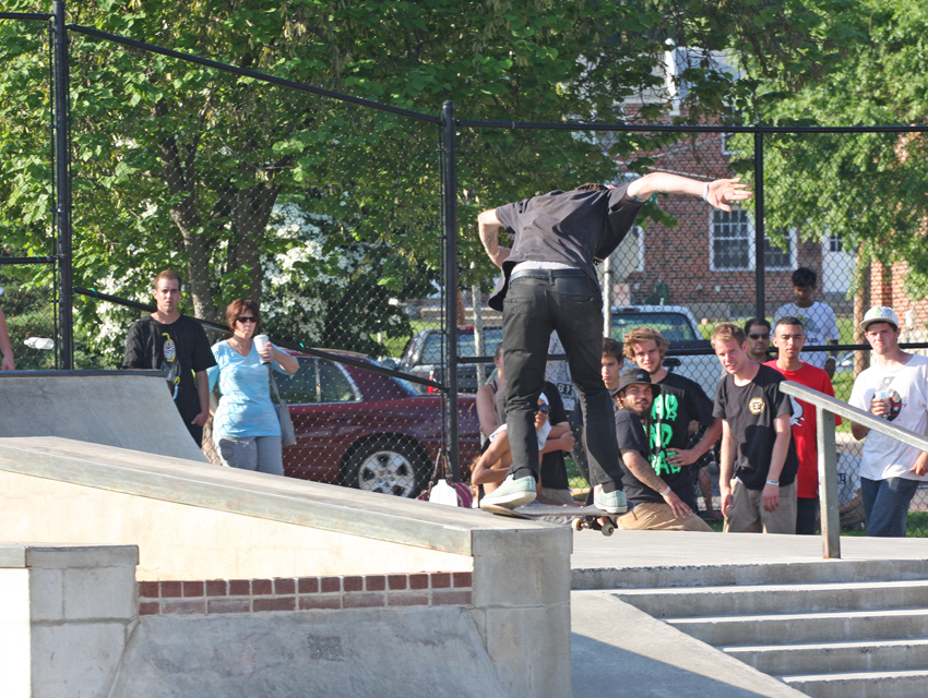 Spon_phillyambigbacktail_2014