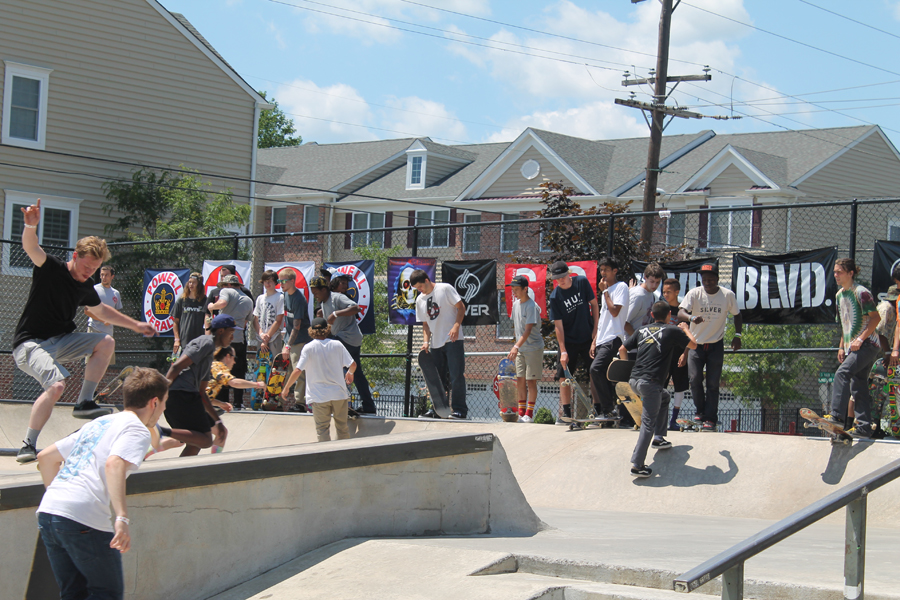 Phillyam skate crowd